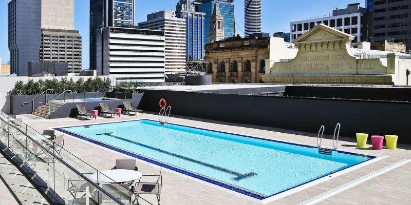 Hilton Brisbane outdoor pool