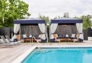 Sheraton Charlotte outdoor pool